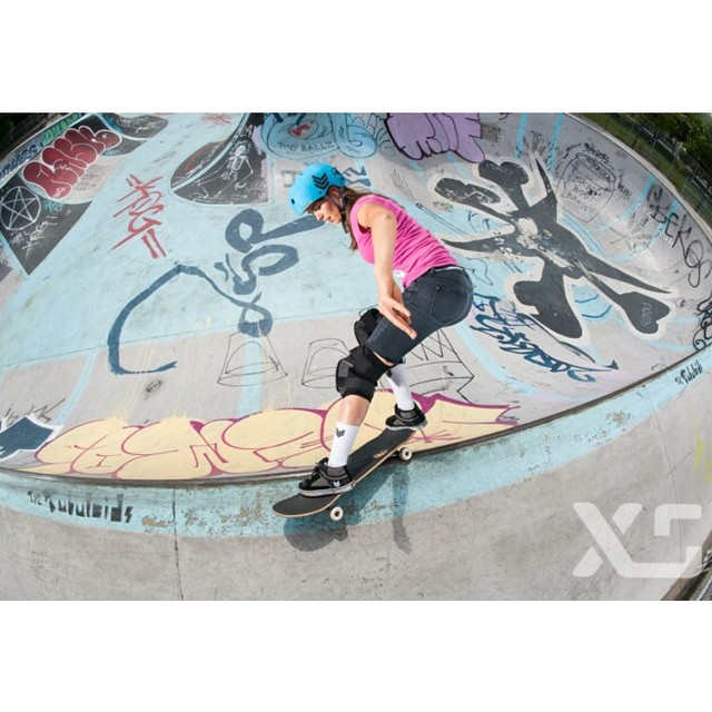 XS team rider @ameliabrodka at Hastings Park earlier this year during our team trip #goodtimes #skateboarding #xshelmets #forgirlswhoshred