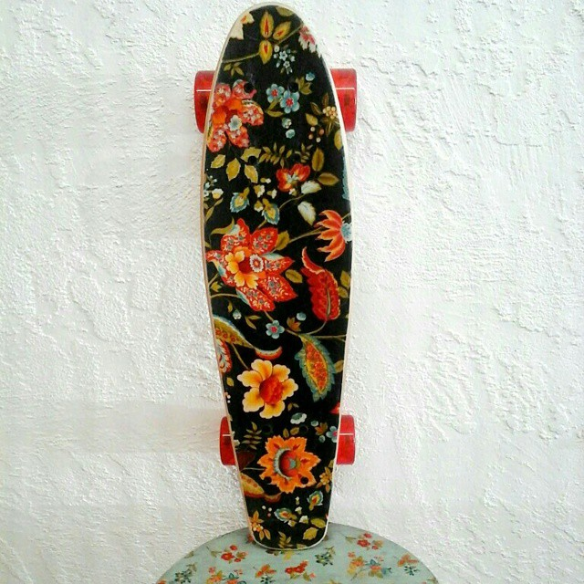 #AkelaSurf  Black Cruiser  100$ until 12/24/2014 perfect Xmas present!!! Aloha!!!! http://akelasurf.com/products/black-cruiser-skateboard