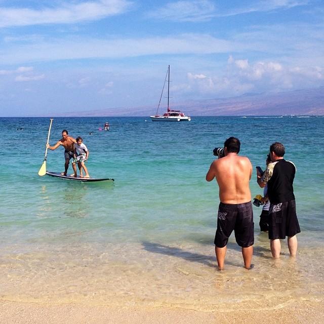 Surf's up day 2 am behind the scenes. #sup #paddling @gopro #lifeproof #iphone5 #canon @jlibbyphoto #mitchellchadphoto #lewharringtonphoto @swellliving @rawelementsusa @rareform @kaenon #itakebioastin @konaboys #paddlehi #luxuryholidaysworldwide...