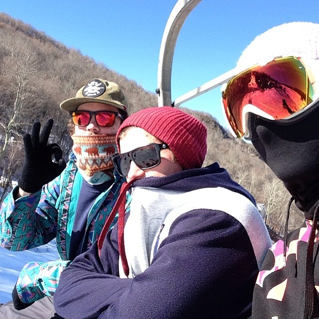 Mandatory opening weekend chairlift picture with the homies @dealmc @ckskinc , great day at @beechmtn. Thanks to everyone that came out sat for the STZ rail jam! #stzlife #shrednc #happyshredding #hard5050 #wewannagofast