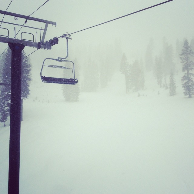 Another snowy day in #tahoe. Fresh snow, first tracks and good times. #alpinemeadows #snowboarding #powday