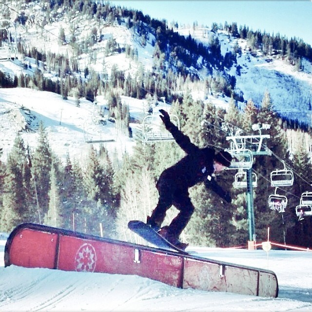 Happy Monday #NosePress from @minnesnowtafrost . The @brightonresort park is already stacked with fun features.