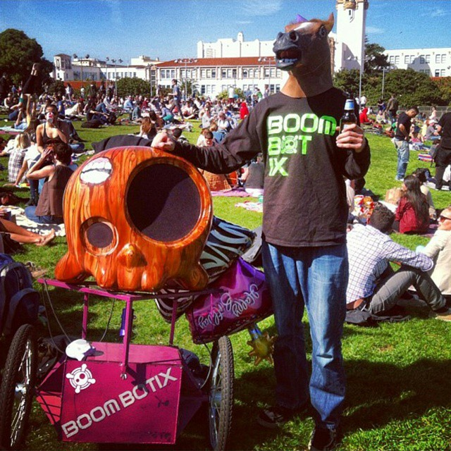 Things can get a little weird in San Francisco #throwback #horsinaround #boombotix