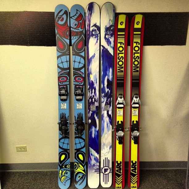 3 sick setup headed out the door. From L to R 188cm Primary, 192cm Giver, 183cm Trigger #madeintheusa #customskis