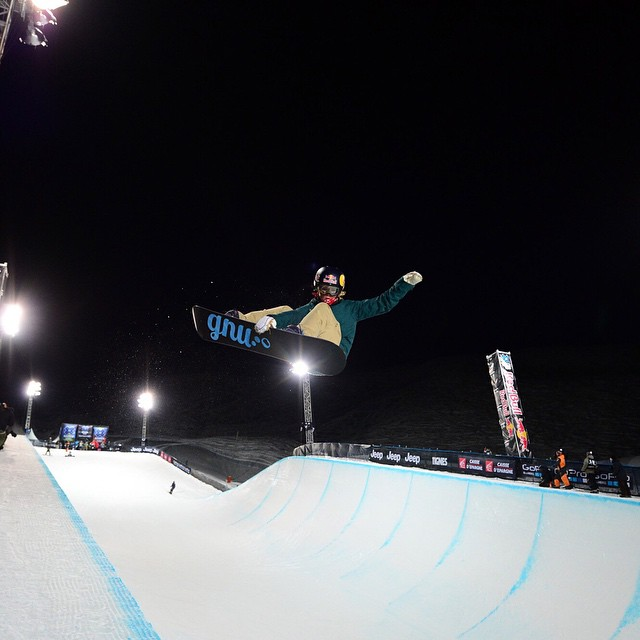 Two-time #XGames Snowboard SuperPipe medalist @KaitlynFarr turned 25 years old today.