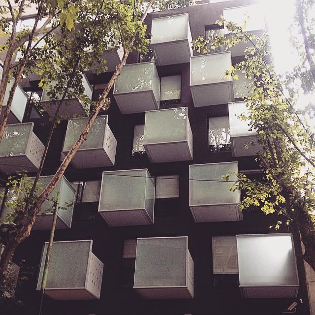 #pixels en todos lados #arteurbano #arquitectura #modern #balcony #square #box #building #edificio