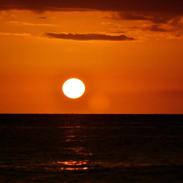 Asi es como el sol siempre se despide..pero esta vez no quizo pasar de inapercibido.