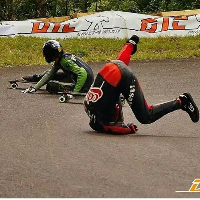 @yanismarkarian loves to breakdance while going downhill#restlessboards