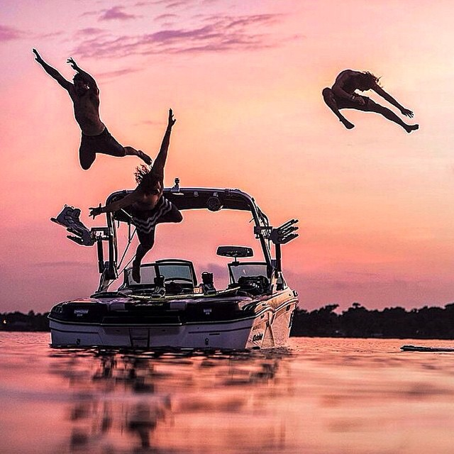 #LifesABeach | Where's your beach? Hashtag #ThisIsMyBeach on your photos • #Kameleonz #GoPro #Wakeboard #Wakeboarding #SteelLafferty #Santa #Christmas #MasterCraft • Kameleonz.com Great pic by @tsode via @steellafferty