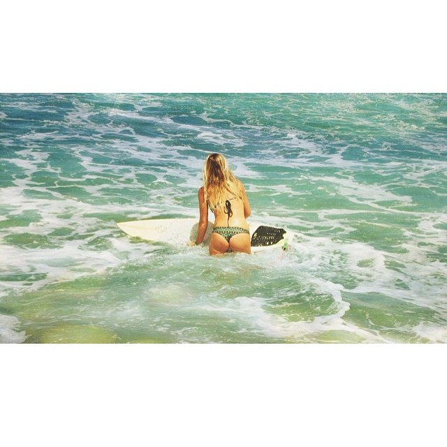 Time to paddle out #miola #miolainthewild #miolainaction #muse #getoutthere #puertorico #rincon @sunburntandsalty