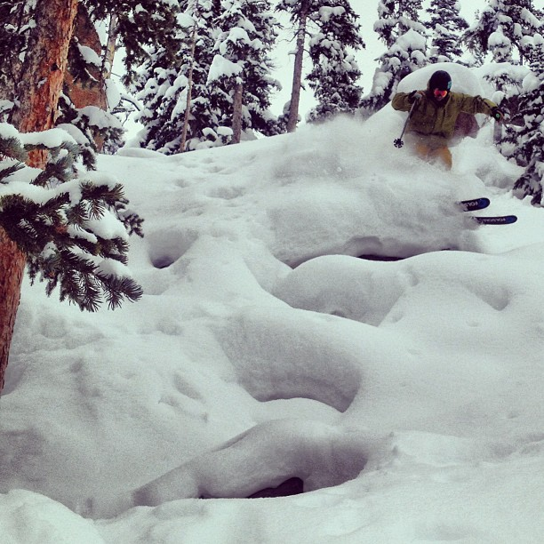 @mccabeski blowing up some pillows @winterparkresort #skiacting #maryjane