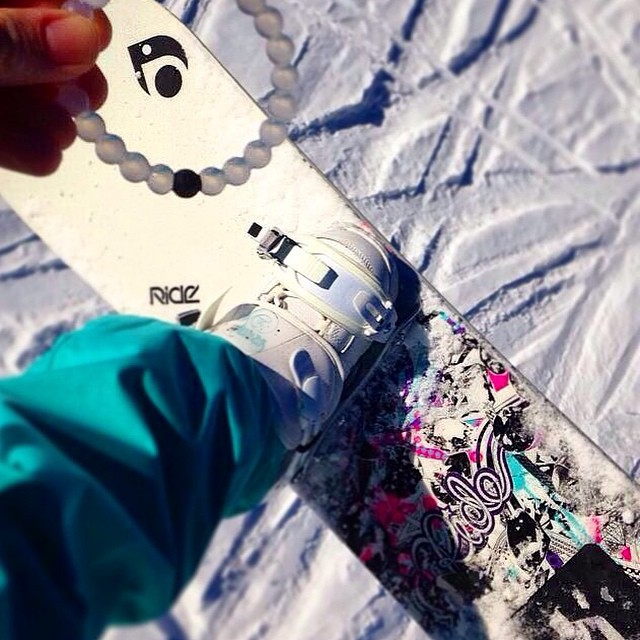 Shredding it up on the first day of winter! #livelokai Thanks @jenni10lee