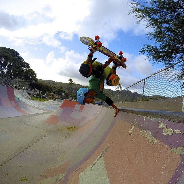 @diego_ferri gets inverted at Hawaii Kai. Diego is a supergrom from Oahu. He is also an unreal surfer. On top of all of that he is the sweetest kid you'll ever meet. Smiles all day from this guy.  Thanks for repping XS Diego!  Stay tuned for next...