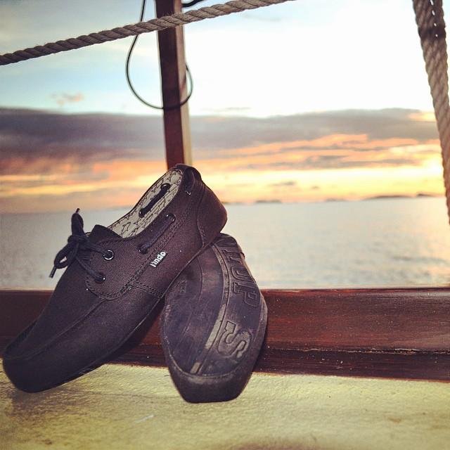 Sunset Sundaze - the new Black Womens Prahu sitting pretty somewhere on the Ceram Sea  #thisisindo #sundetsundaze #PrahuBoatShoe #dunlop #tiresole #soleswithsoul