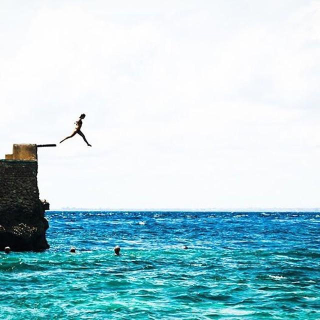 Summer is here ✌ CARPE DIEM.- @paigemaddison_  #soul #waves #summer #justpassingthrough #reef