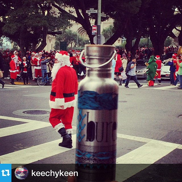 Great to see the Big Guy refusing single use plastics. #netstogifts @kleankanteen @keechykeen