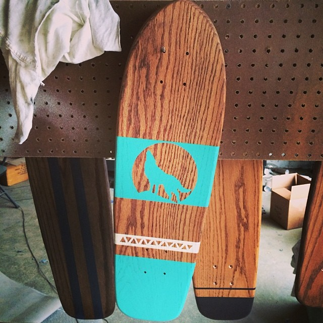 Finally bringing this popular wolf design to our solid oak cruiser shape. Sea Foam, White, and Mission Oak.