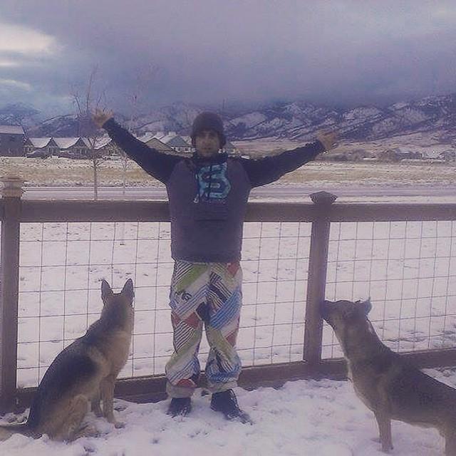 #dogslovefulsendtoo #justsendit #montana #mountainlife #skiing #snowboarding #germanshepherds #moonlightbasin #montucky @zayjmad191 #bigsky #ditchpanthers