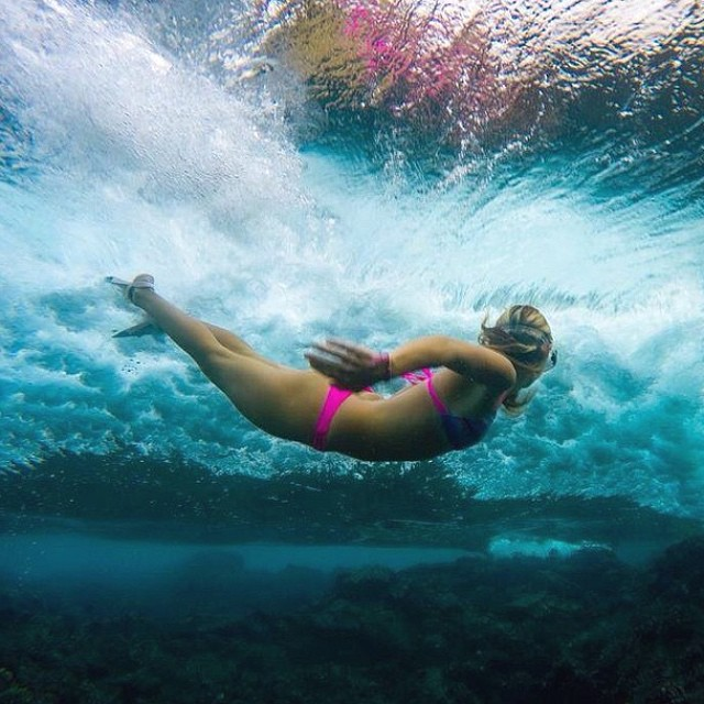 So excited to see our girl @alisonsadventures #swimming in #warm water again! #loving her new #camira top in #cloudbreak! #sarahleephoto #hawaii #spring2015collection