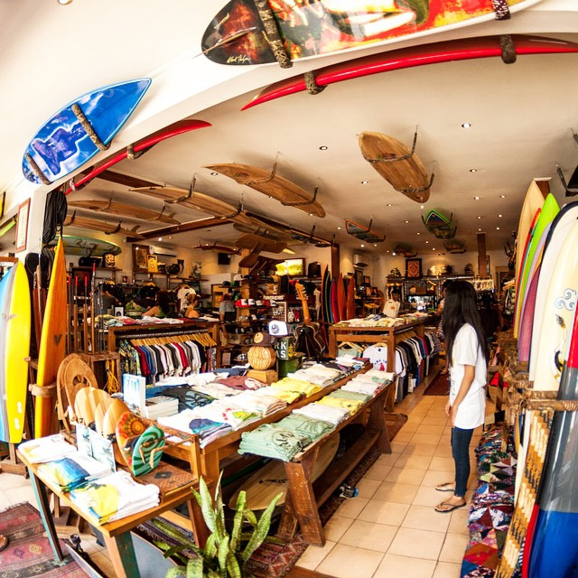 We got you covered for any last minute shopping needs in Bali....fully stocked at the following retailers: @drifterbali (pictured) @singlefin_bali @deustemple @theyogabarn @oneillindo @surfersparadise_bali @waterbombali #thisisBali #soleswithsoul ✌️