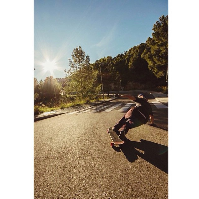 #regram from team rider @thecontee keeping it steezy in some sunlight! Photo by @drusetta  #longboarding #longboarder #dblongboards #stalkerv2 #dbstalker #thatlighting