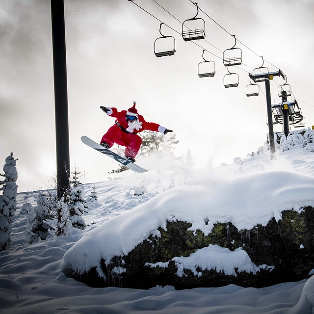 Santa is done making his rounds, now he's out making his turns!! Merry Christmas from your friends at Academy!! #goodpeople #greatsnowboards #merrychristmas #powderlines