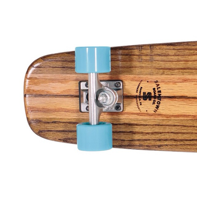 Don't forget that Christmas is 12 days long! An Upright oak cruiser is a guaranteed win in the gift department. #handmade #skateboards #nashville #handmadeskateboards