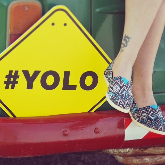 El día perfecto para #YOLEAR #YOLO You Only Live Once #paezinspire #picoftheday #shoeoftheday #dreamjumpers