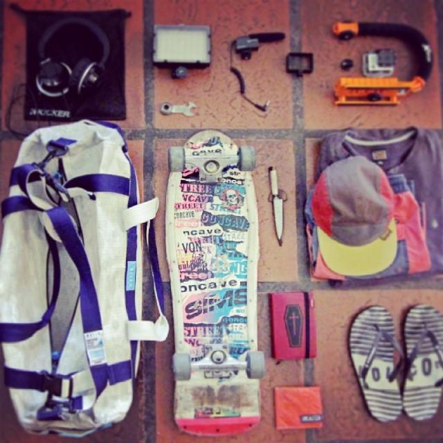 Mafia Survival Kit by Tomi Materi #bolsotubo #billeteraskinny #teamrider #argentinasnowboard #mafiasurvivalkit