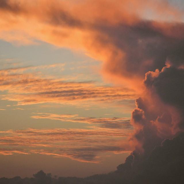 En este sistema opresivo y compulsivo, siempre hay una salida anti stress y natural. Hoy me toco un cielo unico!