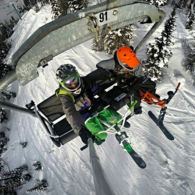 @blondheimofficial and @dingle_Sylvester hit the slopes with their music on