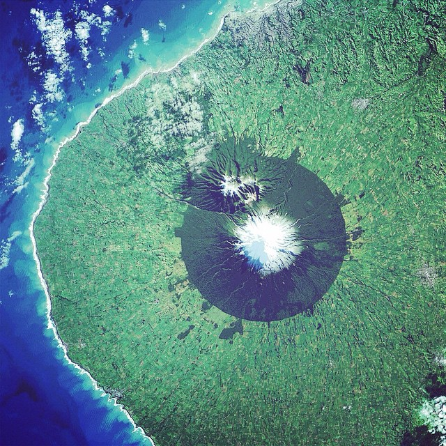 New Zealand from space PC @nasa #lovematuse