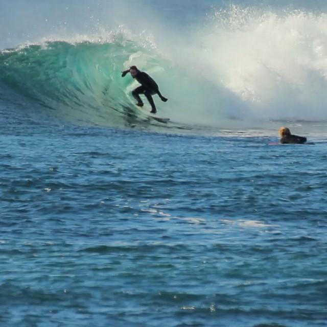 Entre hermanos.- @gauchosdelmar  #soul #surfing #brothers #reefargentina