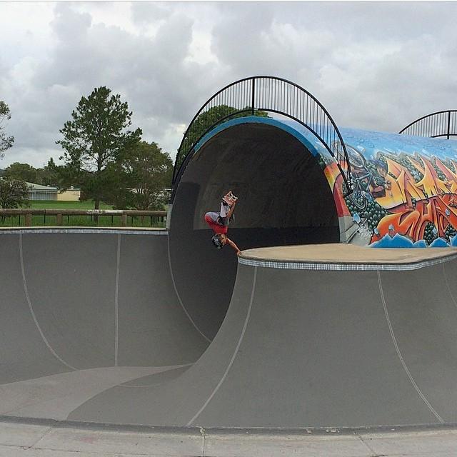 Regram @k33gan at #elanoraskatepark #australia #fullpipe #skatepark #skateboarding #s1helmets #grom