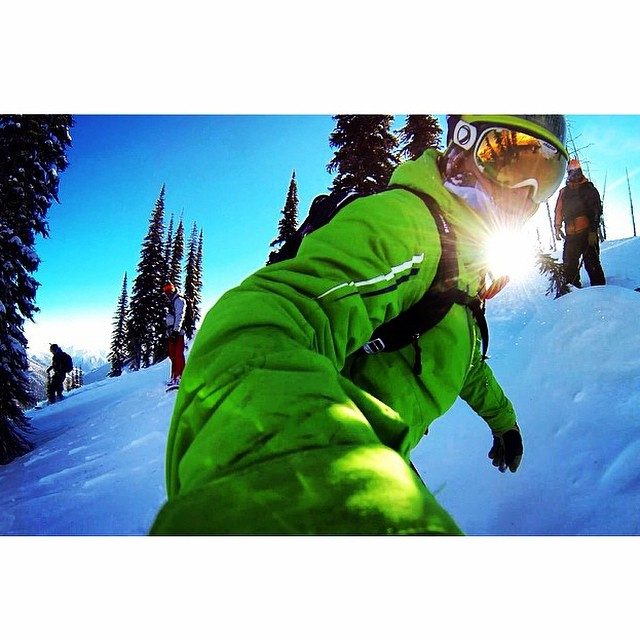 Team rider from #BritishColumbia @goldenrider420❄️#FrostyHeadwear #Snowboarding #Canada #FrostyVision #GoPro