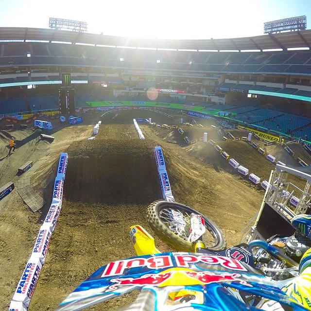 @SupercrossLIVE is about to kick off in Anaheim, CA. Good luck to GoPro riders @kenroczen94 and @davimillsaps! #gopro #SXonFOX