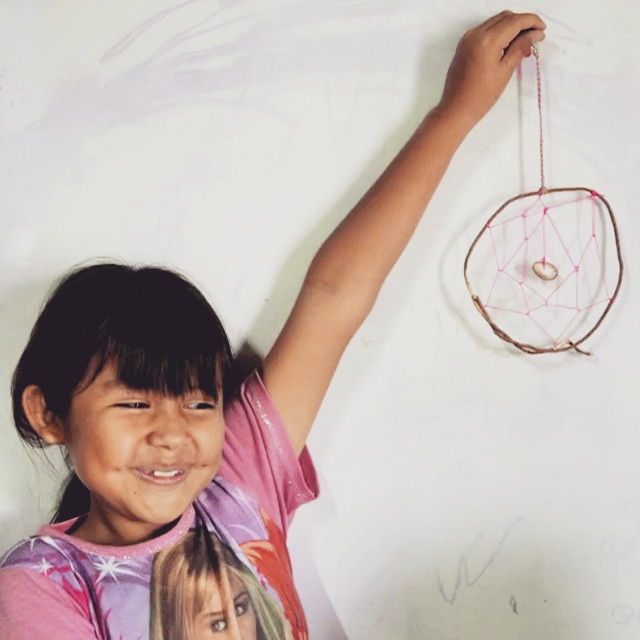 "New Stop Motion video!!! The girls of Lobitos, Peru present ""How to Make a Dreamcatcher /// Cómo Hacer Un Atrapasueños"" from upcycled materials found on the beach! #wandermuch @billabongwomens #diy #Clubdechicas #lobitos #upcycling #dreamcatcher..."