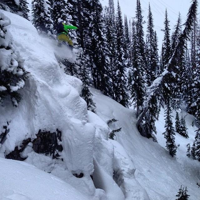 Team rider from #BritishColumbia @goldenrider420❄️#FrostyHeadwear #Snowboarding #FrostyVision #Canada