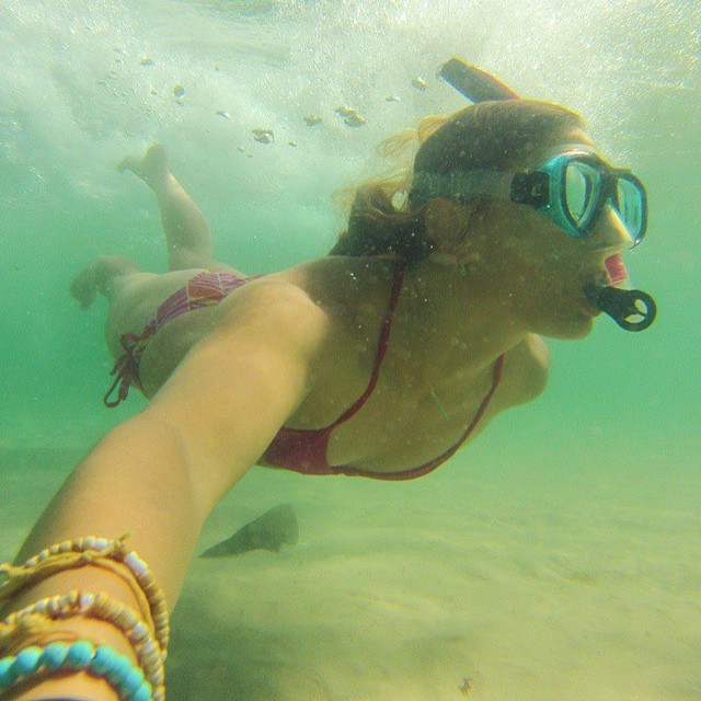 Love. This. #miolamondays #miola #miolainthewild #miolainaction #underwater #snorkeling #muse #getoutthere @artemis_eleven