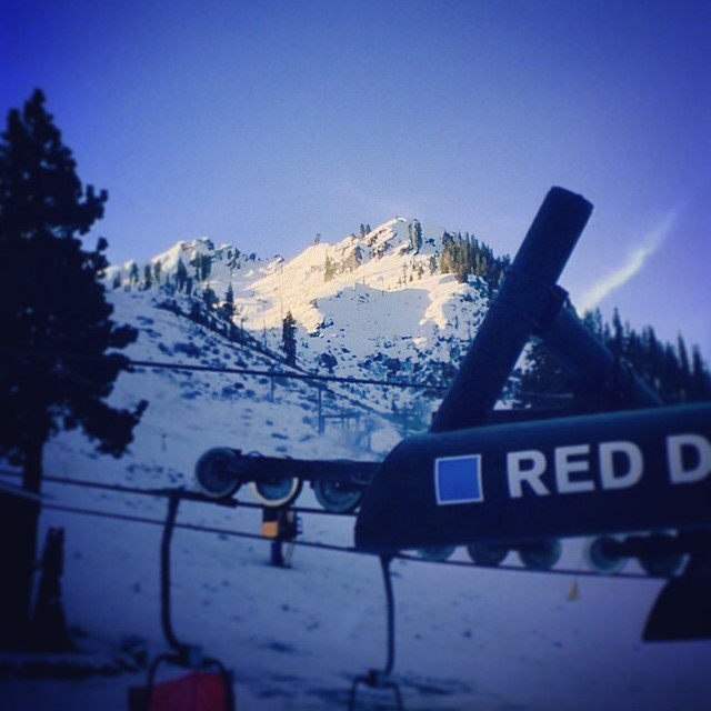 #FirstChair after the holiday rush @squawvalley and a great #sunrise on #kt22. #thrivesnowboards #tahoe #snowboarding