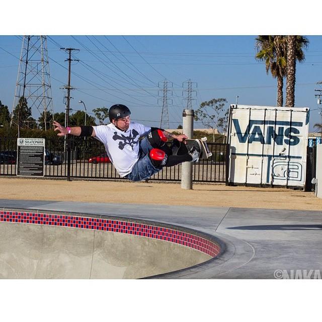 #lifer @lonnyhiramoto at the #vansskatepark in #huntingtonbeach photo by @sk8session . #skateboarding #s1helmets