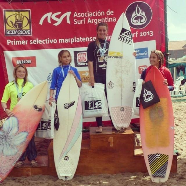 Grande Jose! Nuestra raider @jose_ané en en el podio del Segundo Selectivo Marplatense de surf #waves #soul #surfing #reefargentina