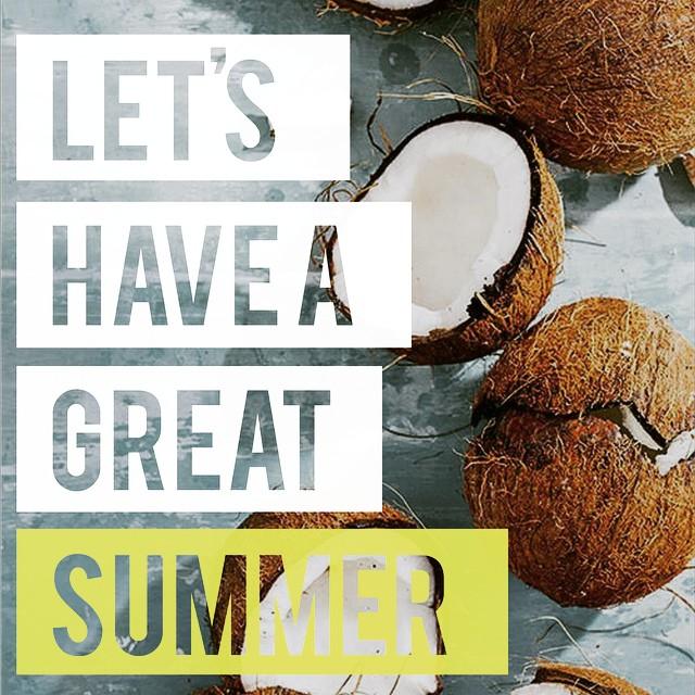 Empezó el verano y se vienen las fiestas, que estas esperando para regalarte las alpargatas #blackmonkey ?!?!?#blackmonkeystore #alpargatas #calzado #diseño #verano2015 #onda #confortables #buenosaires #quito #cdelu #instapic #photooftheday #instapic