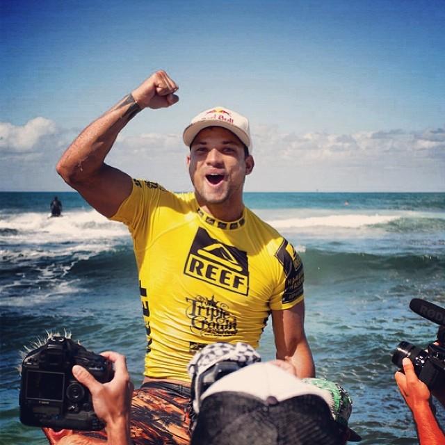 Felicitaciones al gran @bourezmichel Campeón del #ReefHawaiianPro 2013. Ya estamos ansiosos por el próximo! #surfing #surf #soul #reefargentina