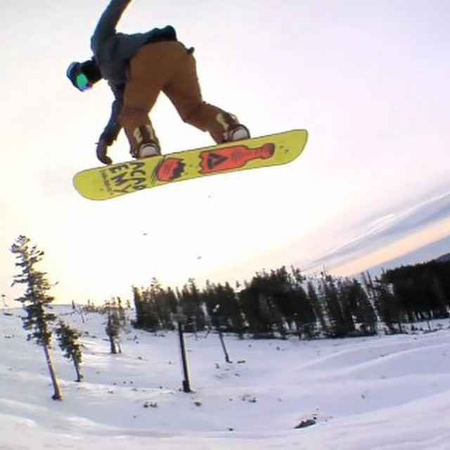 Get over to @twsnow .com and check out Boreal Soft Serve.  @leonard_mazzotti has been putting in work!  @borealmtn @woodwardtahoe @fed_list #gethammed #earlyseason #propacamba #properstyle