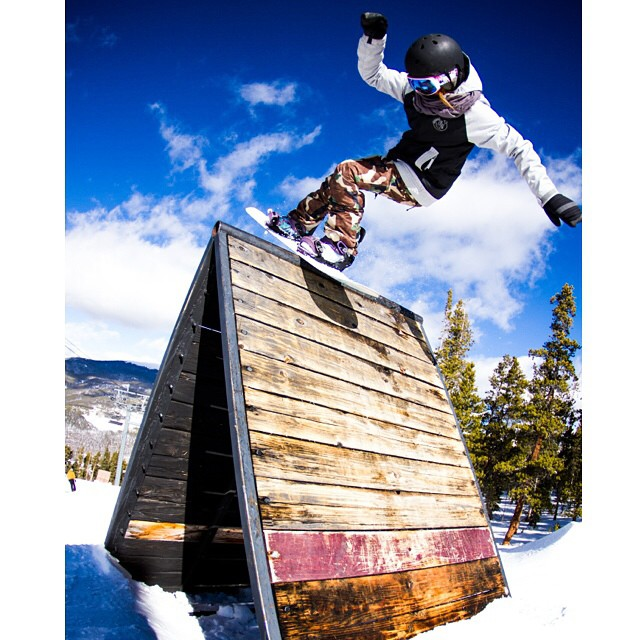 Melissa Evans AKA @mel902 has been busy testing the #HappyLens from Colorado to California.  See her in action along with @mikeegray in @bear_mountain's first #SundayInThePark edit, live now through the link in our profile.  Photo:@gill_monty_photo ...