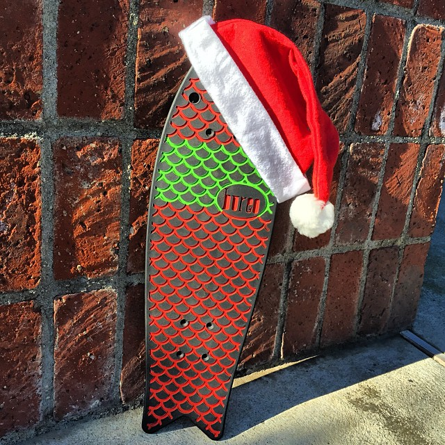 We enjoyed all of the entries for our Bureo Holiday Album....and we are stoked to give away this custom deck to @joviniam who was randomly selected for her #NetsToGifts entry! Stay tuned for the next giveaway!  #netstodecks #GiftsThatMatter