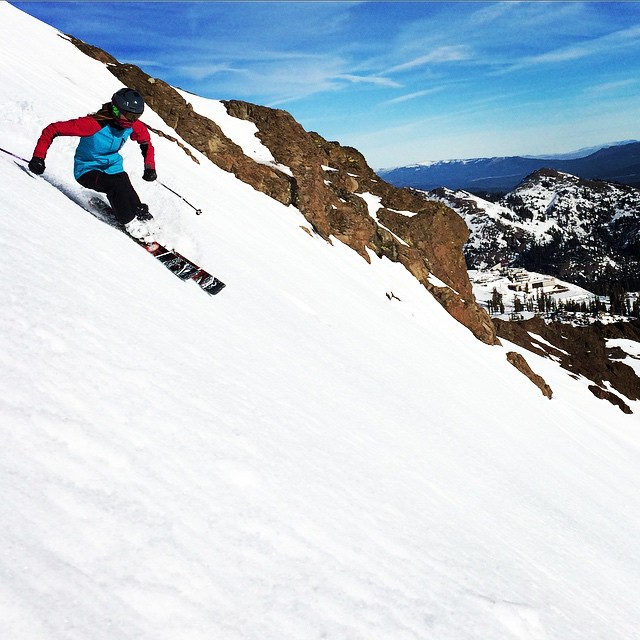 @aimza1md enjoys the first turns of the season on @squawalpine #palisades #kitchenwall #januarythaw #team_praxis