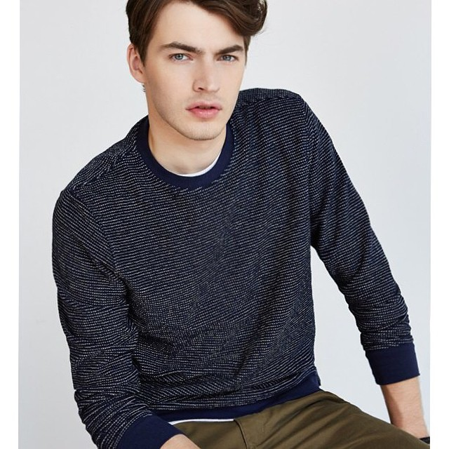 The best way to survive #January: textured sweaters. #snowday #style #guys #menswear #winter #fashion #texture #sweaters #warmup