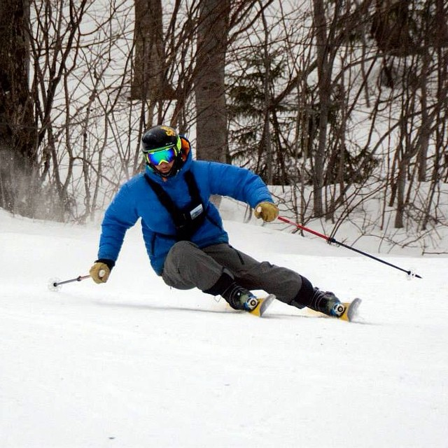 DPS' @andyweis3 showing off the versatility of the Wailer 112RP2 @madriverglen. Photo: Jeb Wallace-Brodeur. #skitheeast @skitheeast